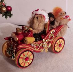 Miniature Yorkie Santa in Car with toys, felted, scuplted & furred OOAK CTD