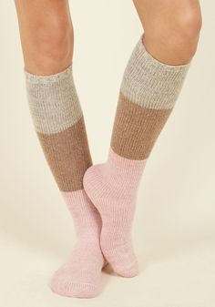 Warm and Toes-ty Socks. Cool temps and snow-capped landscapes beware - these colorblock socks are here, theyre fierce, and with their cozy knit fabric, theyre bringin the heat! Quirky Fashion, Cute Fashion, Sweet Style, My Style, Navy Socks, Sock Hop, Only Shoes, Cold Weather Outfits, Cool Socks