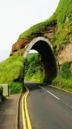 Driving from Derry to Belfast in Northern Ireland, we'll stop to have lunch on top of this mini-tunnel.