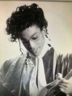 I love this era Your Music, Kinds Of Music, Sign O' The Times, Paisley Park, Soundtrack To My Life, Dearly Beloved, Handsome Faces, Roger Nelson, Prince Rogers Nelson
