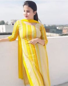 Top 50 Desi Look Women Wallpapers Indian Dresses For Women, Indian Girls Images, Indian Outfits, Beautiful Suit, Beautiful Girl Indian, Most Beautiful Indian Actress, Gorgeous Women, Punjabi Girls, Pakistani Girl