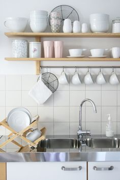 Cute open shelving for a small apartment