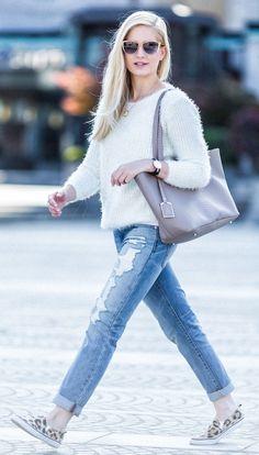 Basic Fluffy Sweater in White