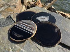 Black Agate Coasters Set of 4 ~ Black Espresso Agate Coasters ~ Geode Coasters Geode Coaster Set ~ Gold Silver or Natural Edge. Coaster Holder, Coaster Set, How To Make Coasters, Agate Coasters, Black Agate, Espresso, Crystals, Natural, Silver