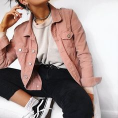 winter outfits for school 53 Modische Outfit-Ideen - winteroutfits Winter Fashion Outfits, Fall Winter Outfits, Look Fashion, Spring Outfits, Fashion Women, Latest Fashion, Teen Girl Fashion, Fashion Trends, Urban Fashion