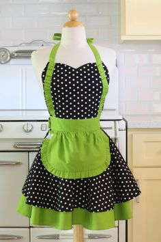 Apron French Maid Polka Dot with Lime Green Double Circle Skirt Retro Apron Patterns, Dress Patterns, Cute Aprons, Apron Designs, Japanese Sewing, French Maid, Sewing Aprons, Aprons Vintage, Apron Dress