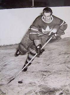 Bill Barilko Hockey Shot, Ice Hockey Teams, Hockey Stuff, Hockey Games, Hockey Players, Nhl, Hockey Highlights, Air Canada Centre, Maple Leafs Hockey