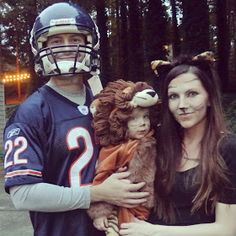 Family costume: lions and tigers and bears!