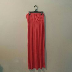 Forever21 dress fits medium/small It's a large but it can fit smaller sizes. Pretty much fits all ideal sizes. Color: orange/pink ish Forever 21 Dresses