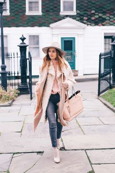 b3c25260c0c How to wear Pantone 2016 Color of the Year Rose Quartz by Jess Kirby of  Prosecco   Plaid.