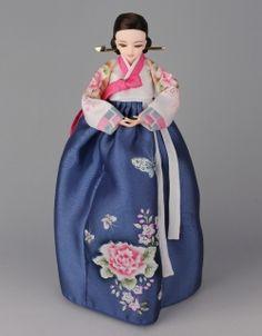 Korean Traditional Hanbok Doll Korean Traditional Dress, Traditional Dresses, Korean Hanbok, Asian Doll, Korean Art, Little Doll, Korea Fashion, Korean Outfits, Cute Dolls