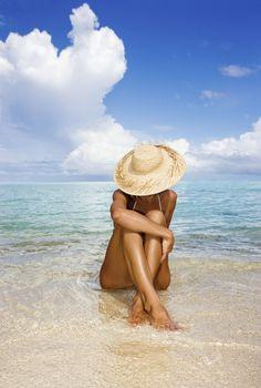 Hawaii Woman Sitting In The Ocean At A Remote Tropical Location Canvas Art - M Swiet Productions Design Pics x Summer Beach, Summer Vibes, Beach Night, Siesta Key Beach, Poses Photo, Beach Poses, Beach Photography Poses, Life Photography, Tropical Beaches