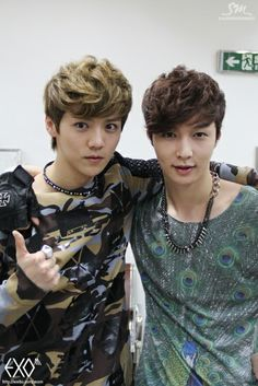 EXO's Luhan and Lay