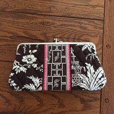 """Vera Bradley Wallet Imperial Toile Vera Bradley wallet in excellent condition .  Retired pattern Imperial Toile .  Kisslock closure.  Length 9"""" Height 4 3/4"""" Vera Bradley Bags Wallets"""
