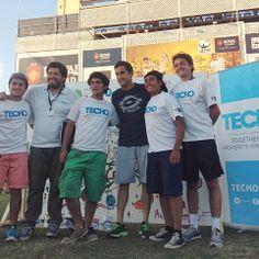 Nico Almagro con algunos de los voluntarios de TECHO que formaban parte de la actividad!