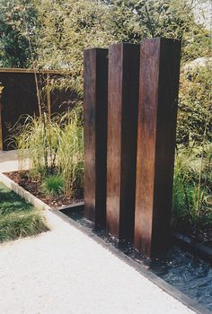 Ellerslie Flower Show 2003, garden with contemporary metal sculpture designed by Norma de Langen