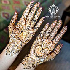 Prettiest Floral Mehendi Designs For The Trendsetter Brides Henna Flower Designs, Latest Bridal Mehndi Designs, Full Hand Mehndi Designs, Mehndi Designs For Beginners, Wedding Mehndi Designs, Mehndi Designs For Fingers, Flower Henna, Rose Henna, Latest Mehndi