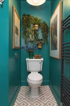 Home Interior Classic This Scottish home is bursting with bold colors and cool wall decor ideas. Modern Bathroom Decor, Bathroom Wall Decor, Bathroom Interior, Modern Decor, Bathroom Ideas, Budget Bathroom, Bathroom Colors, Bohemian Bathroom, Bathroom Photos