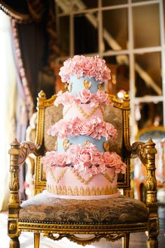 Marie Antoinette wedding cake in pink, blue and gold | Kate Nielen Photography and Elizabeth's Cake Emporium | see more on: http://burnettsboards.com/2014/09/lavish-wedding-cakes/