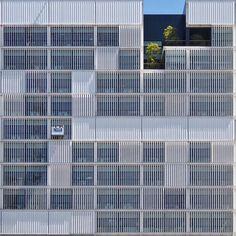 "stoptheroc: "" ⠀ El Parc i la Llacuna del Poblenou. Barcelona. #BarcelonaFacades #Architecture #Barcelona (at RBA) """