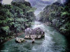 Río Cahabon, Alta Verapaz, Guatemala.