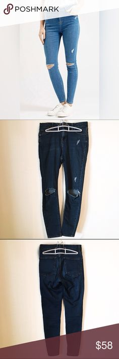 """Topshop Moto Distressed Skinny Jeans d e s c r i p t i o n  High-waisted skinny jeans constructed from stretch-woven denim find casual, carefree style with sliced knees, light distressing, and ankle-length hems. In excellent condition. NO TRADES.   c o n t e n t  92% cotton 