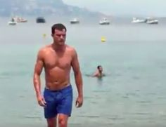 He's stripped off for the previous two installments of the racy Fifty Shades franchise. And Jamie Dornan is set to get pulses racing as he shows off his buff physique in Fifty Shades Freed. Fifty Shades Movie, Fifty Shades Trilogy, Shades Of Grey Book, Fifty Shades Of Grey, Jamie Dornan, Greys Ana, Charlie Carver, Free Trailer, Jamie Bell