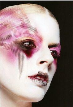http://www.eyeshadowlipstick.com/wp-content/uploads/2013/01/airbrush-makeup-2.jpg