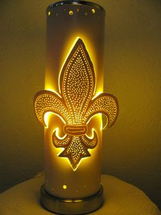 PVC Lamps: www. Pvc Pipe Crafts, Pvc Pipe Projects, Copper Lampshade, Luminaria Diy, Pvc Furniture, Pipe Lighting, Handmade Lamps, Paper Light, Light Decorations
