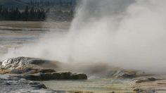 Yellowstone National Park - Geyser