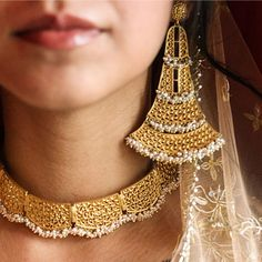 Zariin #necklace #earrings #oversized #pearls #goldplated #zariin #perniaspopupshop