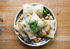 Summer rolls with coriander, green peas and avocado – :: readeat. Vegan Food, Vegan Recipes, Avocado, Summer Rolls, Green Peas, Coriander, Fresh Rolls, Lunch, Dishes