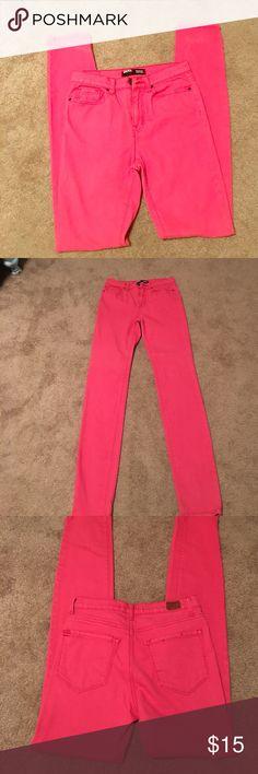 BDG Cigarette high rise size 28X34 BDG.  Corral Cigarette high rise jeans. Size  28X34 BDG Jeans Skinny