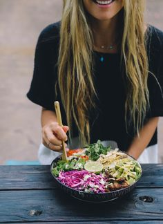 Hi! I can't believe I have never shared this salad before. It is one of my   favs! Its a classic salad but done healthy style!    I know I post a lot of smoothies and fruits but greens and potatoes, soups   and meals are also a big part of a plant based diet too which I looove!If   I am being perf
