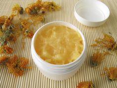come-fare-crema-idratante-viso-cera-api (1)