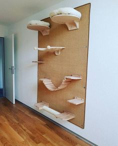 Cat tree for big cats / scratching post for the wall - great cats climbing . - Cat tree for big cats / scratching post for the wall – great cats climbing wall, cat climbing wal - Diy Outdoor Furniture, Pet Furniture, Furniture Dolly, Furniture Design, Cat Climbing Wall, Grand Chat, Cat Wall Shelves, Gato Grande, Cat Playground
