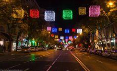 Luces de Navidad en la Calle De Goya. Madrid, España.