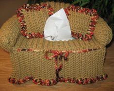 Capas De Sofá De Crochê Feito A Mão são maravilhosas para enfeitar o ambiente, principalmente sofás e camas. Confira abaixo 55 modelos de Capas de sofá para você se inspirar.