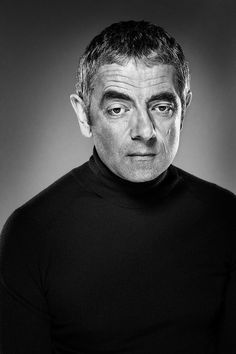 Rowan Atkinson (Photo by Ian Derry) Famous Portraits, Celebrity Portraits, Cinema Tv, Portrait Pictures, Black And White Portraits, British Actors, Interesting Faces, Male Face, Famous Faces