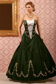 Dark green and gold Green Wedding Dresses, Wedding Dress Cake, Formal Dresses, Folk Costume, Costume Dress, Marching Band Uniforms, Fantasy Costumes, Historical Costume, Traditional Outfits