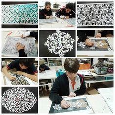 Geleneksel Türk Sanatlarının en eski sanatlarından biri olan katı sanatını 6 ve 7. sınıf öğrencilerimiz uygulayarak öğrendiler. Katı sanatının yanı sıra krigaminin ne olduğunu ve nerelerde kullanıldığını pekiştirmiş oldular. Kağıt oyma sanatı olarak da adlandırılan bu sanat dalının Osmanlı Sanatları arasındaki yerini de keşfettiler.