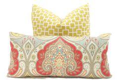 Oreiller/couverture de coussin, Kravet rouge, jaune, gris Paisley Ikat, Square ou lombaire décoratif - Throw pillow, accent oreiller, oreiller toss Latika