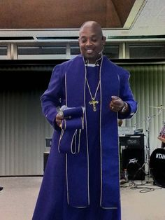 Priest Outfit, Church Fashion, Catholic Priest, Godly Man, Groom And Groomsmen, Black Men, Chef Jackets, Afro, How To Wear