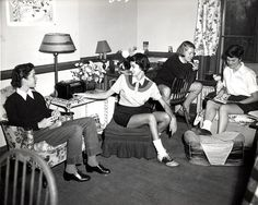 1950s college dorm forties-fifties-college-style