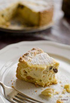 Torta di ricotta - włoski sernik ze skórką pomarańczy i bakaliami