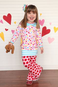 All about Hearts Tunic with pockets by Bridgetandcompany on Etsy Knitted Fabric, Hearts, Tunic, Stripes, Pockets, Knitting, Etsy, Robe, Tricot