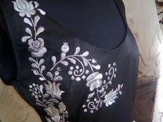 ÖRÖKsÉG.hu Hungarian Embroidery, Hand Embroidery, Gold Work, Folk Art, Patterns, Chic, Dress, Inspiration, Design