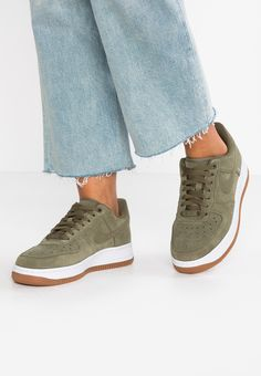 Nike Air Force 1 Sage Low W schoenen olijf in de WeAre Shop