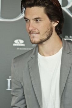 Ben Barnes- lighten his hair a bit and slap some blue contacts in those eyes and he could be Paul Weaver.