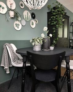 Home Living Room, Apartment Living, Living Room Decor, Style At Home, Lunch Room, Room Color Schemes, Colorful Interiors, Interior Inspiration, House Design